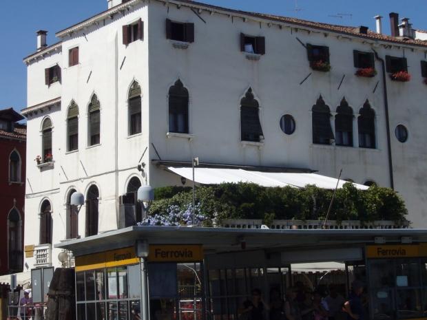 #Venice #Italy #buildings