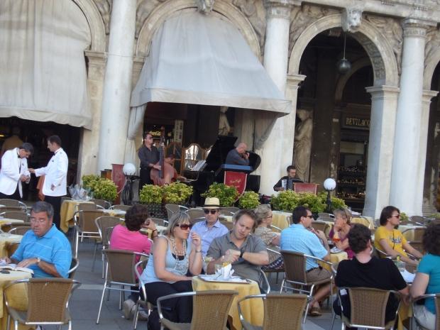#Venice #Italy #buildings #dogesplace