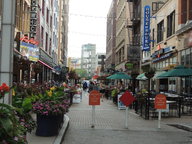 East 4th Street - blogin2.com