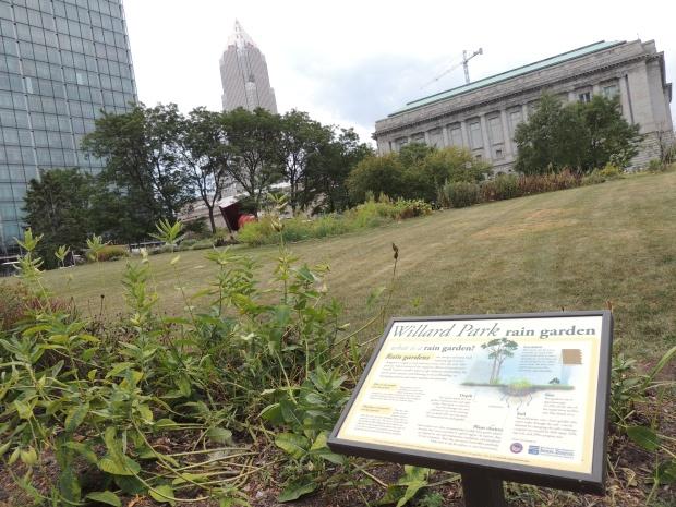 Public rain garden in Cleveland - blogin2.com