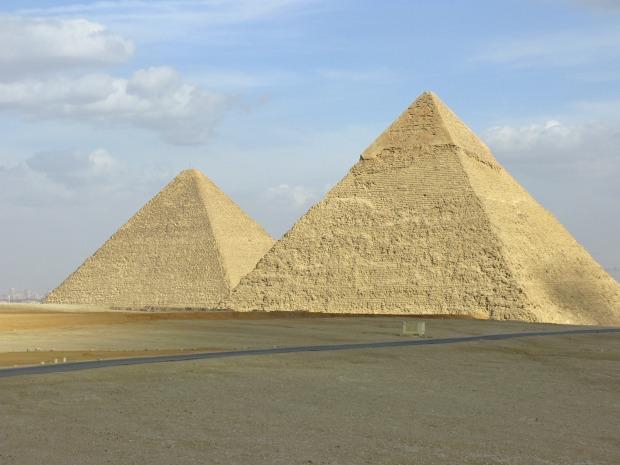pyramid-66361_1920