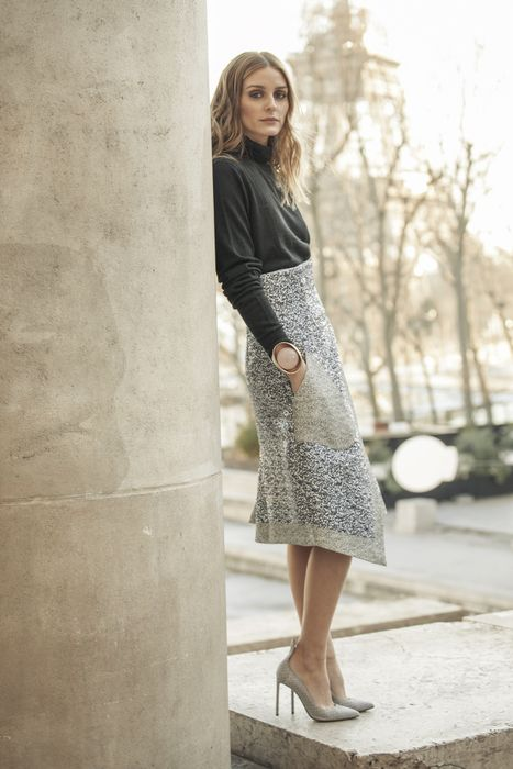 Olivia Palermo grey skirt
