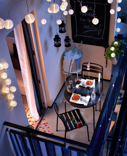 romantic-balcony-lights